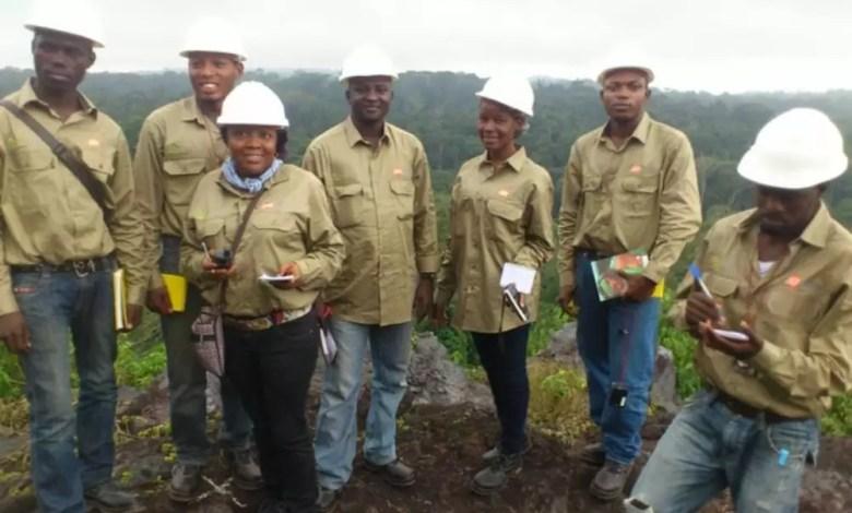 Eleves de l'Ecole de géologie de Meiganga