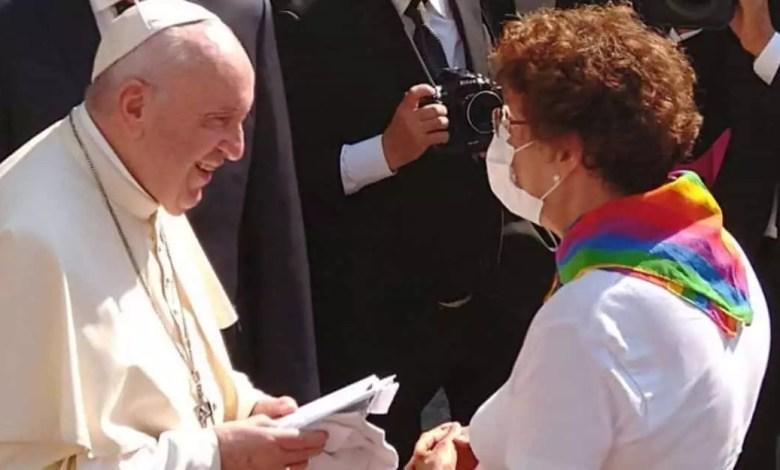 Le pape et son adpete
