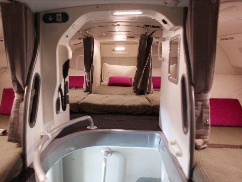 crew-rest-area-787-dreamliner
