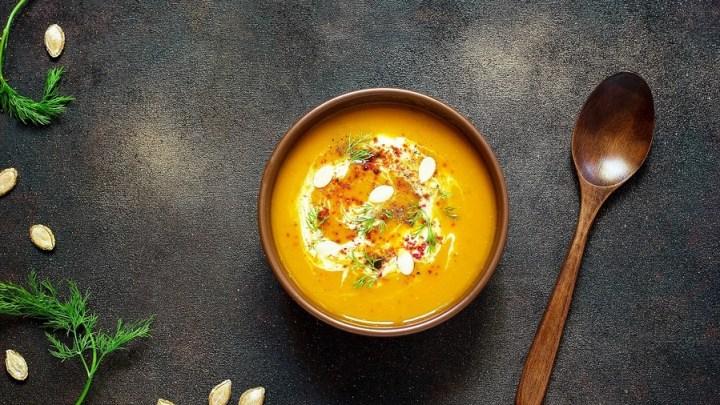 Produkty lokalne zamknięte w słoikach – najlepsze zupy