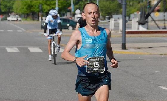 mastromarino atleta maratón intruso