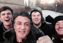 Photo of Sylvester Stallone Surprises Tourists With Selfie After They Run 'Rocky' Steps
