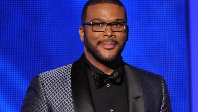 Photo of Tyler Perry Flies Staff To Meet Beyonce