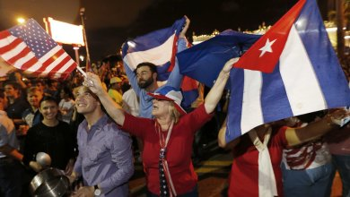 Photo of Reaction to Fidel Castro's Death Reveals Both Cheers and Grief