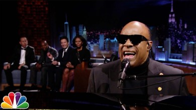 Photo of Stevie Wonder Says Farewell To Michelle Obama With A Sweet Serenade