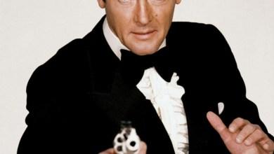 Photo of Former James Bond Star Roger Moore Dies, 89
