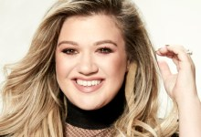 Photo of Kelly Clarkson gets her own daytime talk show. Replaces Steve Harvey