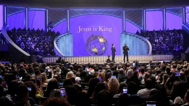 Photo of Joel Osteen's Houston megachurch cancels public Sunday service over coronavirus