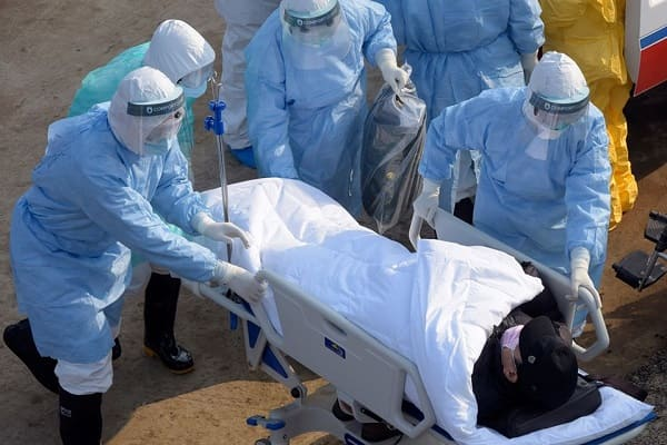 Coronavirus: 554 cas confirmés en 24h, nouveau triste record