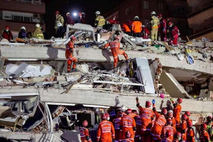 Turquie: course contre la montre pour retrouver des survivants au lendemain du séisme