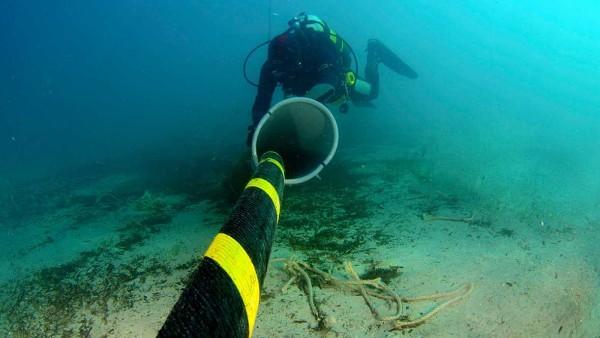 Internet: lancement aujourd'hui de la maintenance d'un câble sous-marin