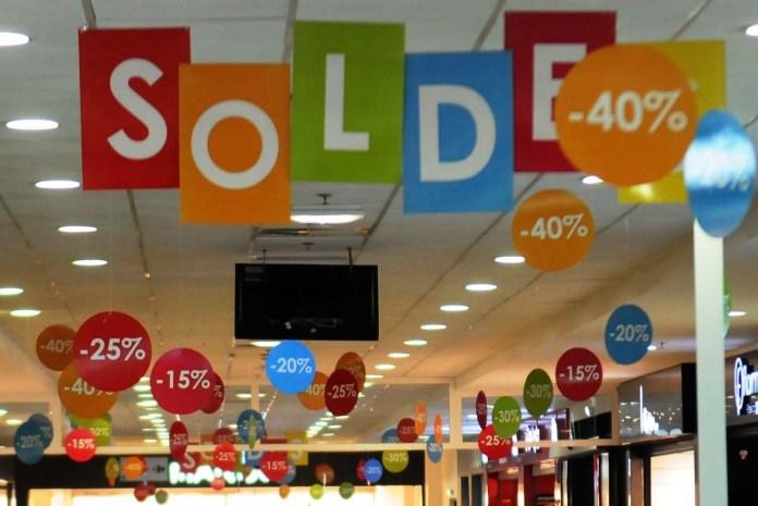 Commerce: les soldes à partir du 7 avril