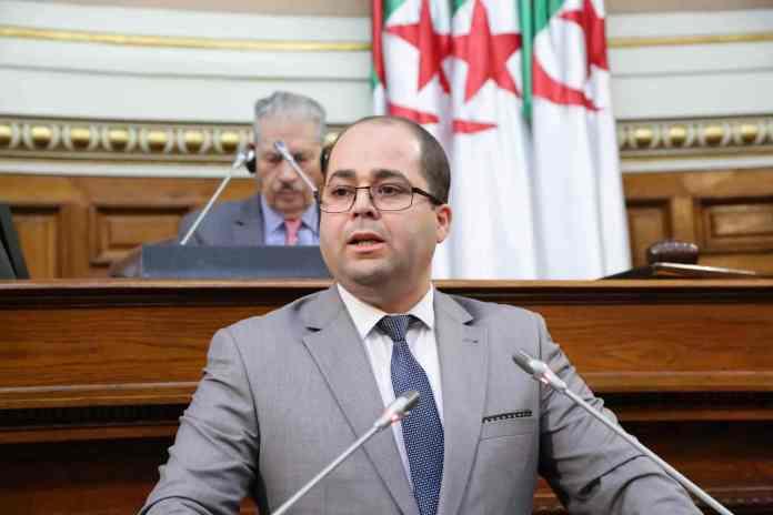 Tebboune met fin aux fonctions du ministre de la Poste, Brahim Boumzar