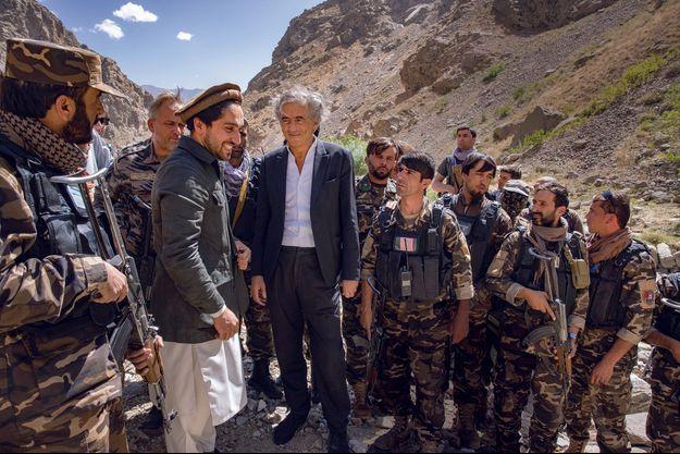 A l'automne 2001, quelques semaines à peine après les attentats du 11 septembre à New York et Washington, les États-Unis déclenchaient une guerre contre l'Afghanistan avec pour objectif de faire tomber le régime des Talibans