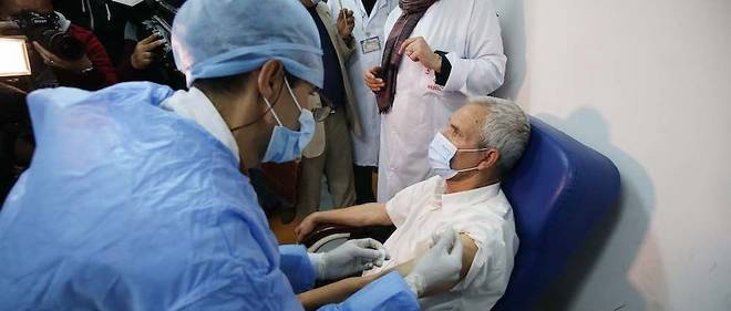 Avec moins de 1% de la population vaccinée l'Algérie est très en retard sur l'objectif d'atteindre l'immunité collective. Le Dr Yousfi appelle les pouvoir publics à trouver des solutions