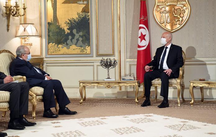 Crise en Tunisie : Ramtane Lamamra reçu par Kais Saied à Tunis
