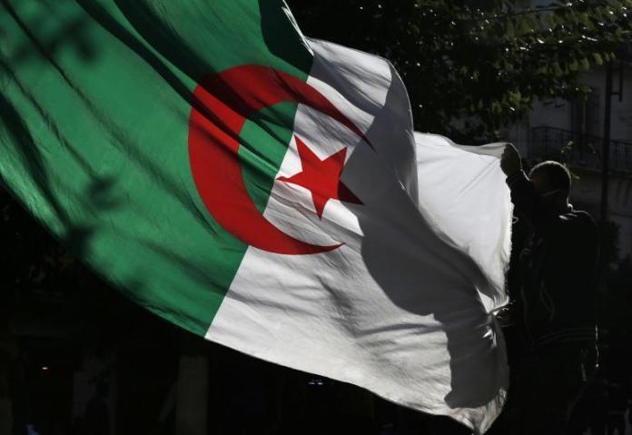 Le «complot national» contre la nation et l'Etat