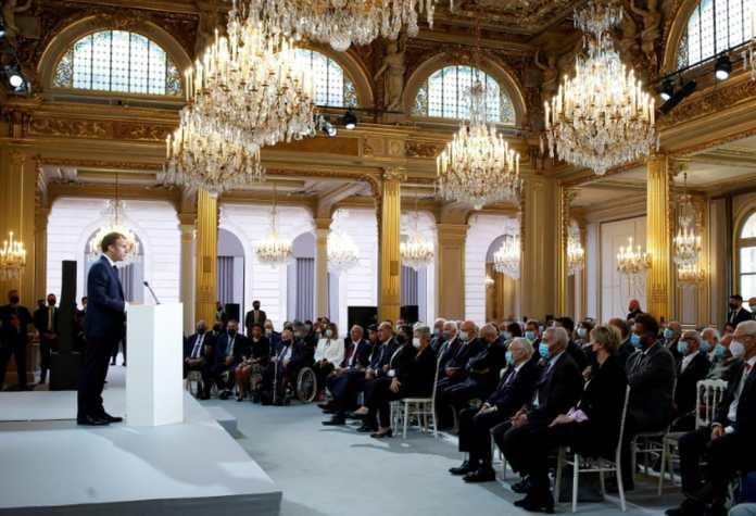 La France demande pardon aux Harkis et promet une loi de réparation
