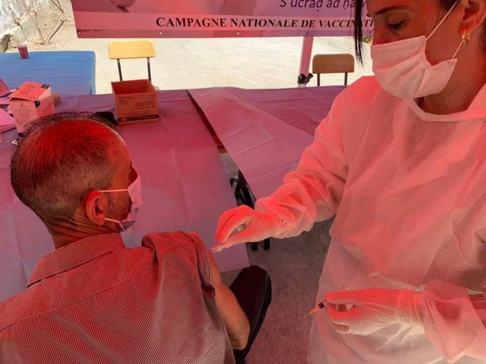 Pour le Pr Belhadj, l'Algérie n'atteindra pas les 30 millions de vaccinés en décembre