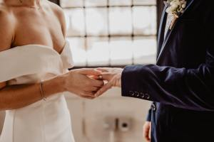 How to get married in Florida - Marriage License - Wedding Officiant Services