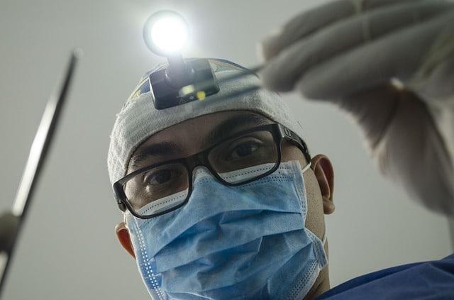 طبيب ألماني يقتل مرضى كورونا لتدهور حالتهم الصحية (صورة تعبيرية)