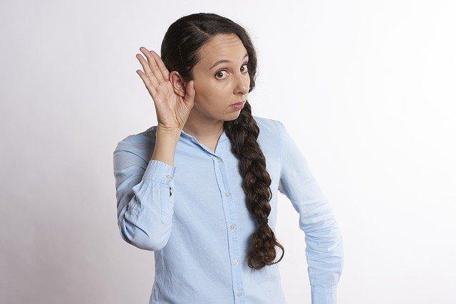 صورة اغرب حالة طبية لامرأة لا تستطيع سماع صوت الرجال