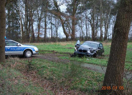 Foto Unfall - Foto: © Polizeiinspektion Delmenhorst / Oldenburg - Land / Wesermarsch
