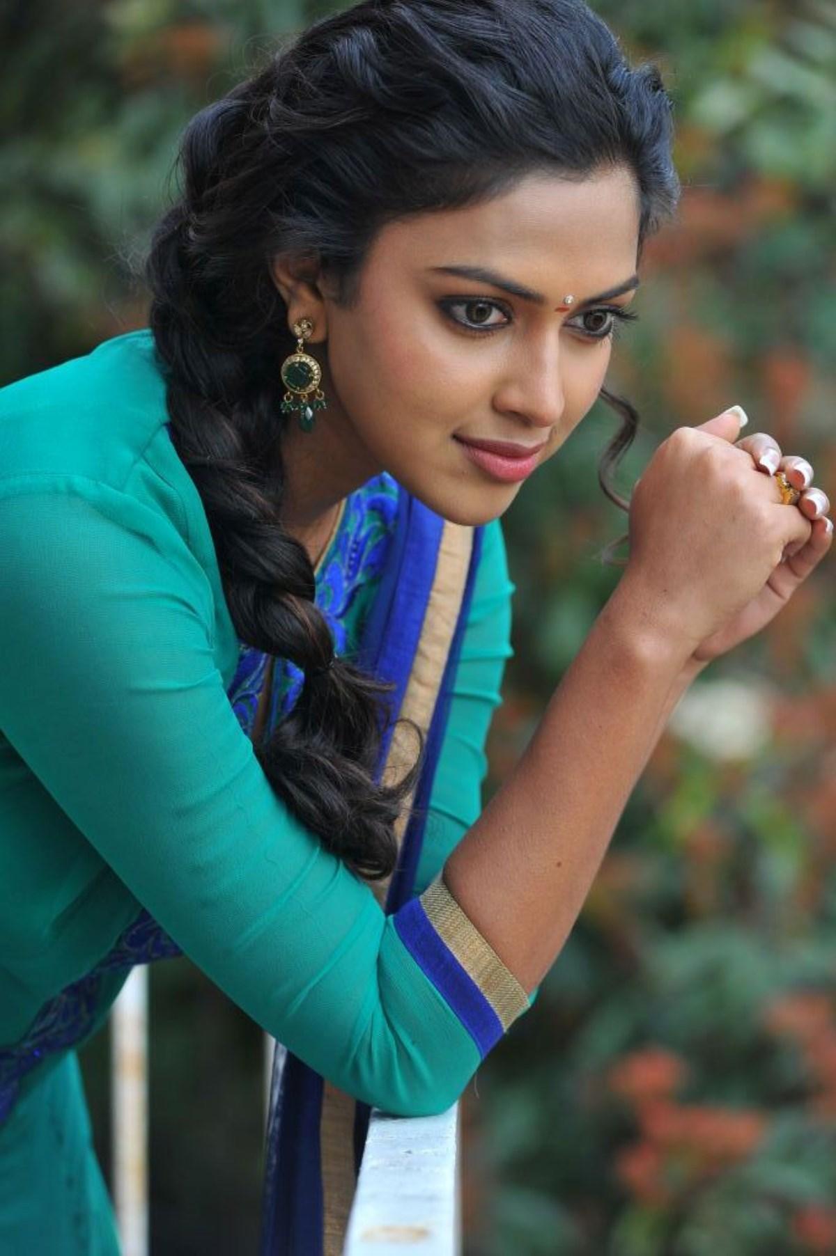 Samantha Hd Wallpapers In Saree Amala Paul Cute Stills 25cineframes