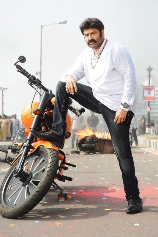 Mahesh Babu Latest Hd Wallpapers Balakrishna Latest Legend Movie Hd Stills 50 Days