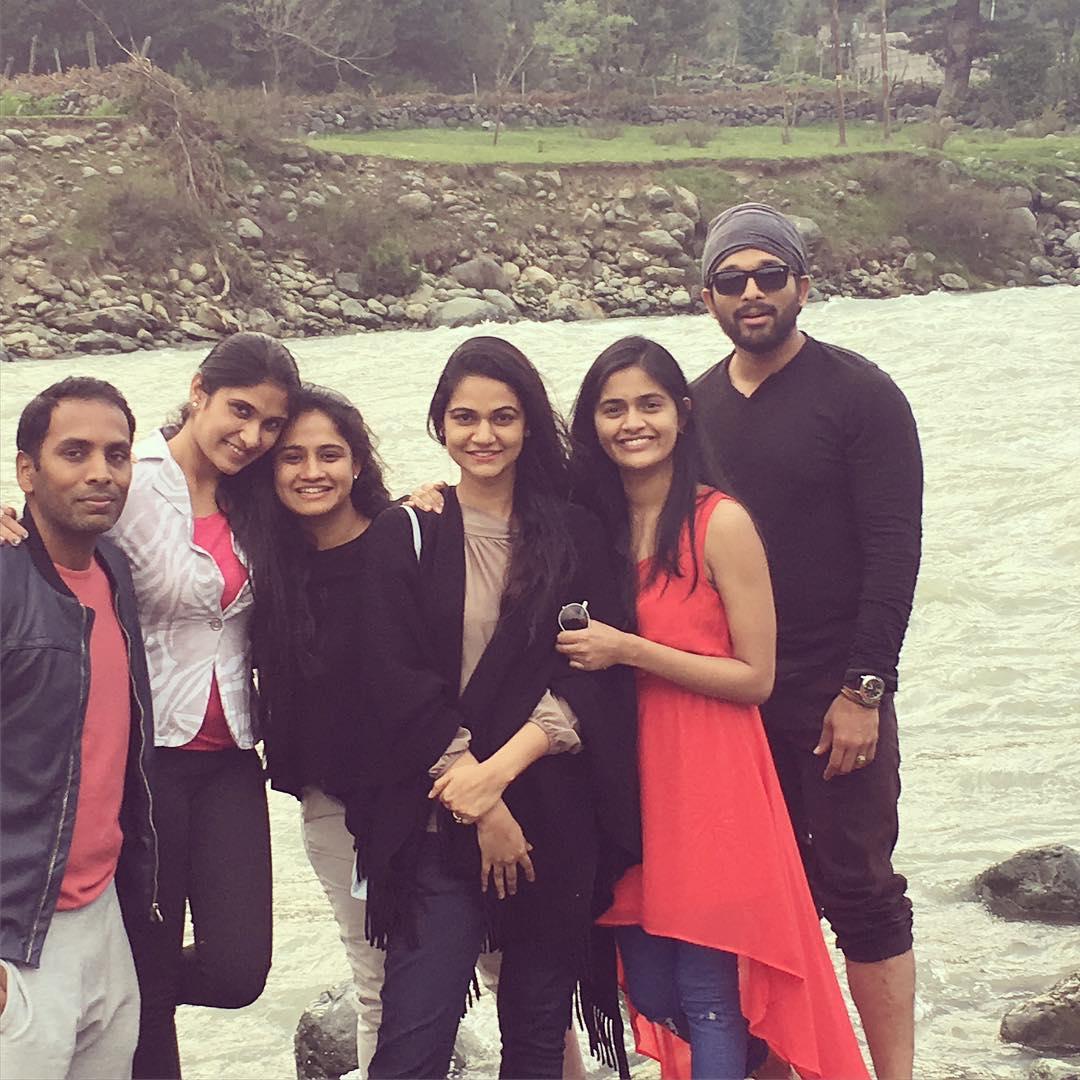 Allu Arjun Family Photos  Stylish Star Bunny Wife Sneha Reddy and Son Allu Ayaan Daughter