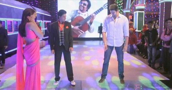 Mahesh Babu Lungi dance With Shah Rukh Khan on the sets of