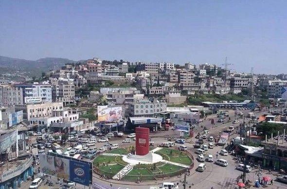 مليشيا الحوثي تختطف عمال بناء في إب وتصيب ثلاثة منهم أثناء المداهمة