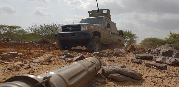 الجيش الوطني يدمر آليات وأطقم للميلشيا شمالي حجة