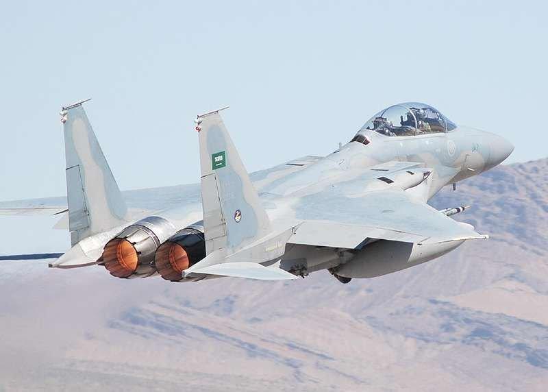 غارات جوية تدمّر آليات قتالية ومنصة صواريخ للمليشيا في حجة