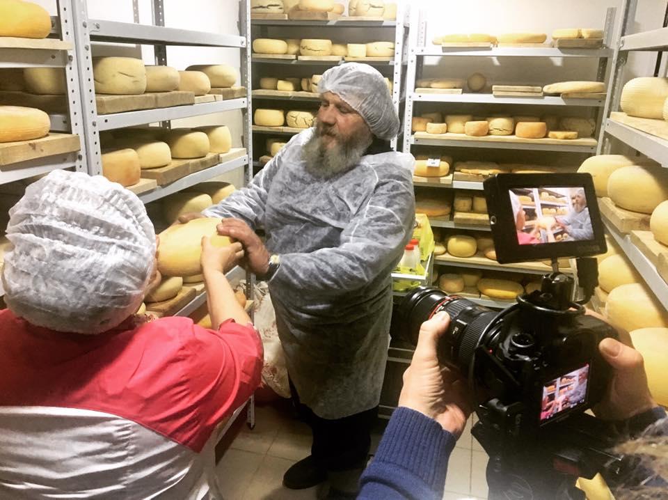 Где и когда впервые сварили в России сыр?