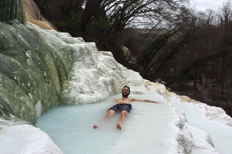 Terme gratuite naturali e allaperto in Toscana Bagni San Filippo gioiello della Val dOrcia