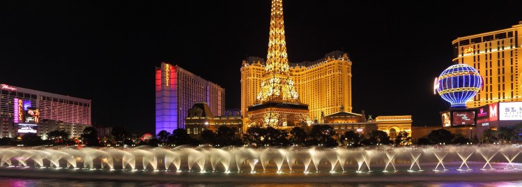 The night in Las Vegas. Dancing Fountains