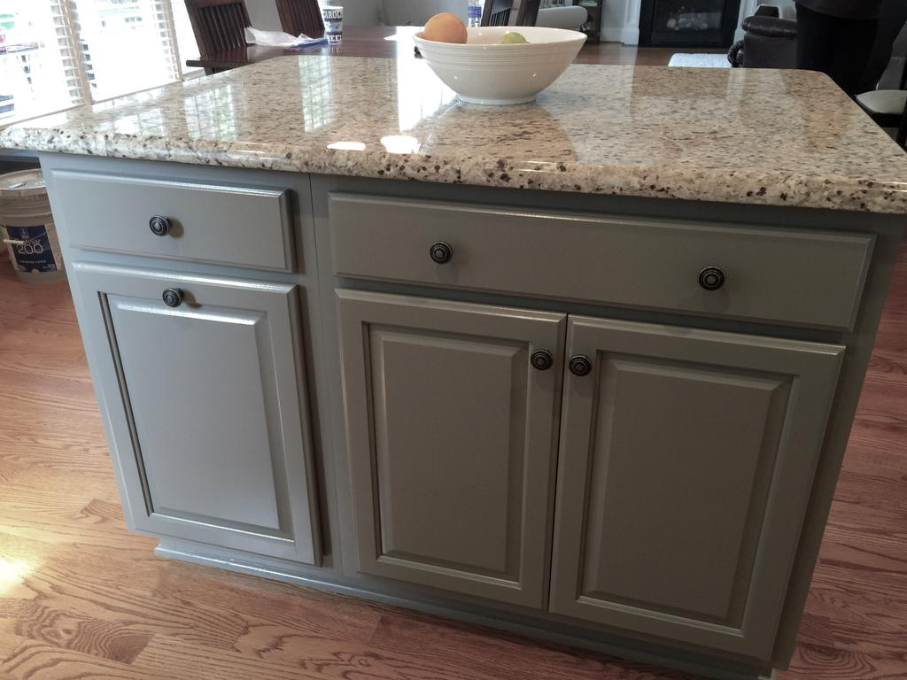 Niveous Cabinets Stone Harbor Pinstripe Glaze Amp Taos