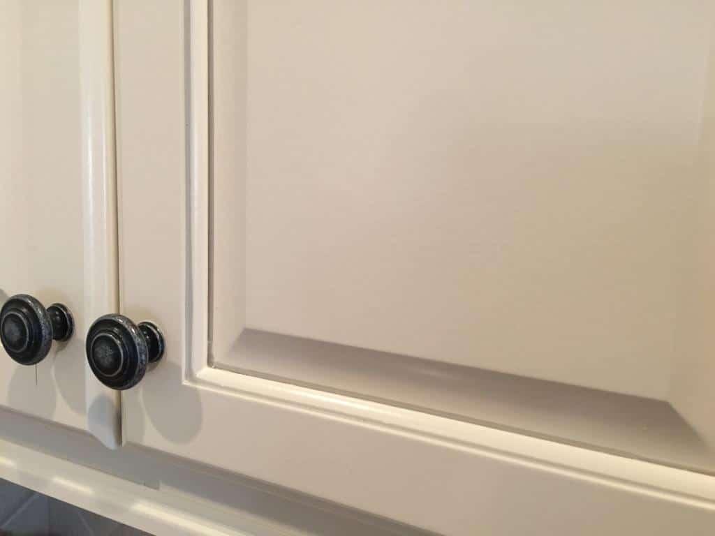 Niveous cabinets Stone Harbor pinstripe glaze  Taos