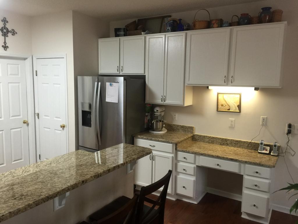 Cloud White Kitchen Amp Baths 2 Cabinet Girls