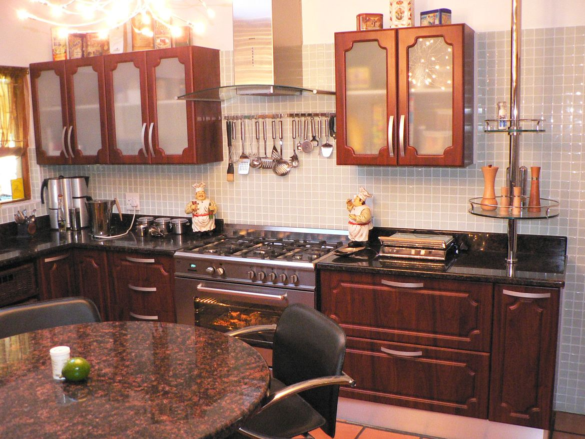 Swart Kitchen