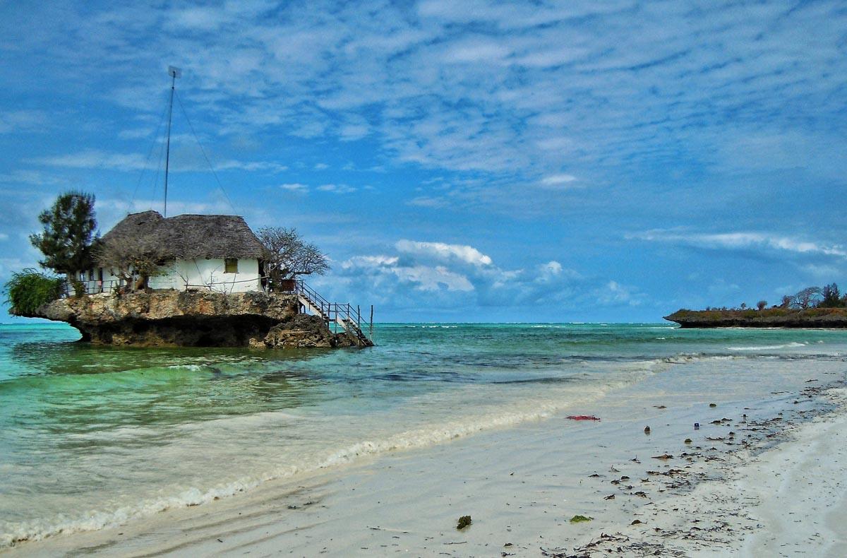 The Rock il ristorante sullo scoglio a Zanzibar