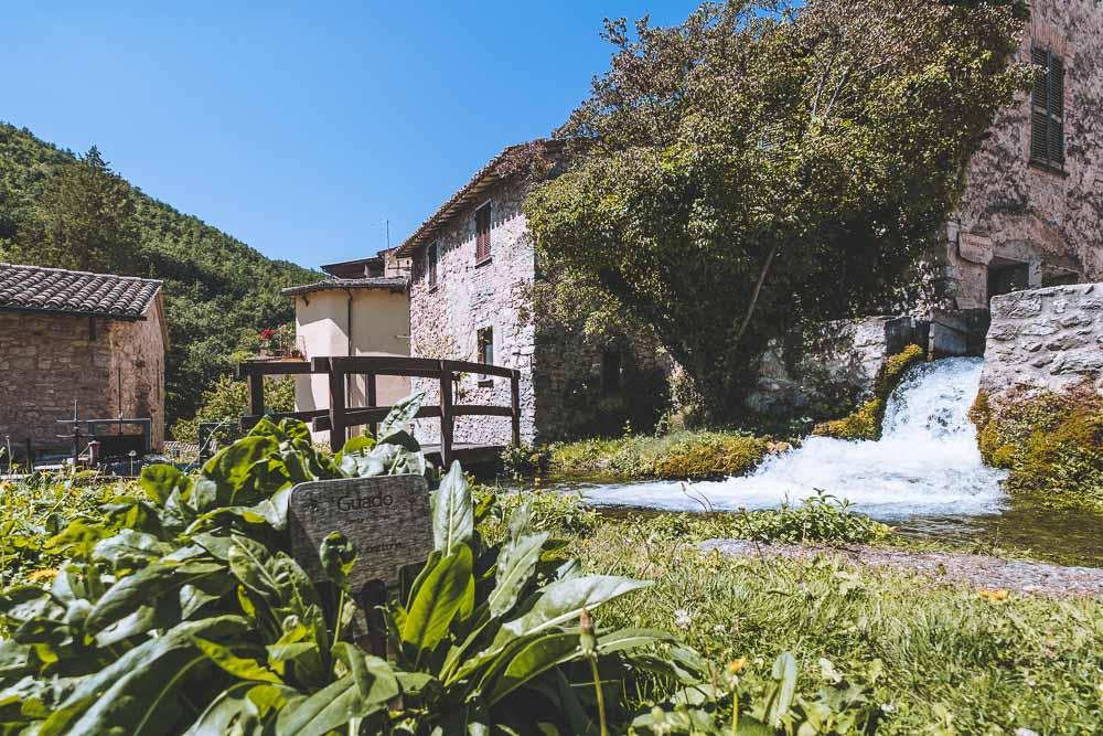 Cosa vedere a Rasiglia: il borgo dei ruscelli in Umbria