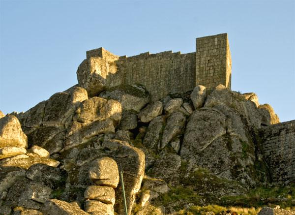 Замок Монсанто