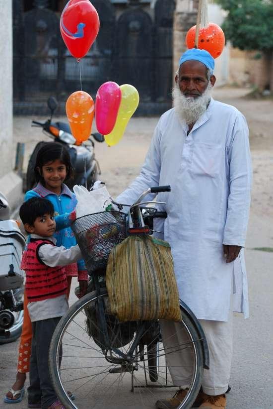 Indian Balloon Seller