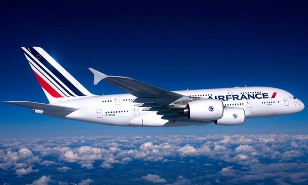 Air France A380 Engine disintegrates over Atlantic