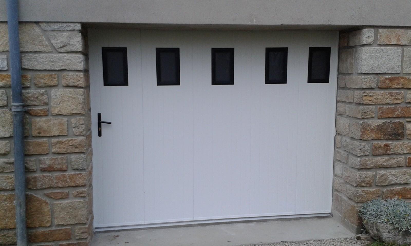 porte de garage laterale coulissante
