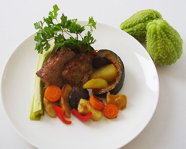 Chayote Meat Loaf is an excellent moist savory loaf and if served with baked vegetables gives very tasteful lunch or dinner.