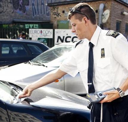 I dag stiger parkeringsbøderne
