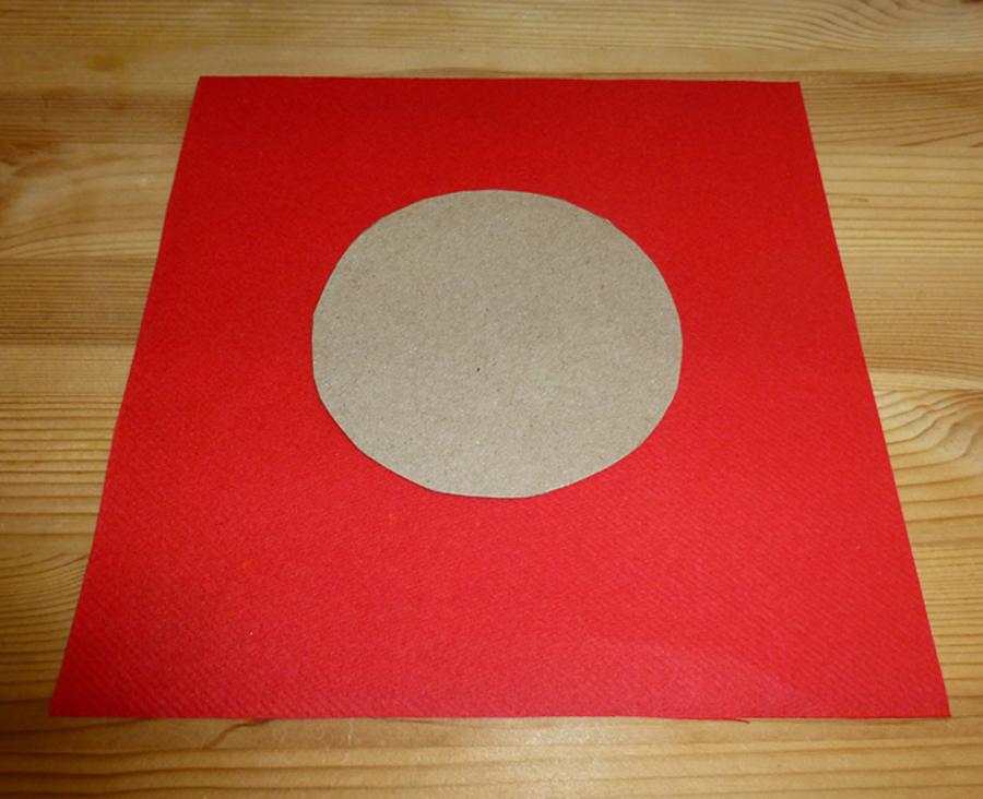 pliage de serviette de table en forme d